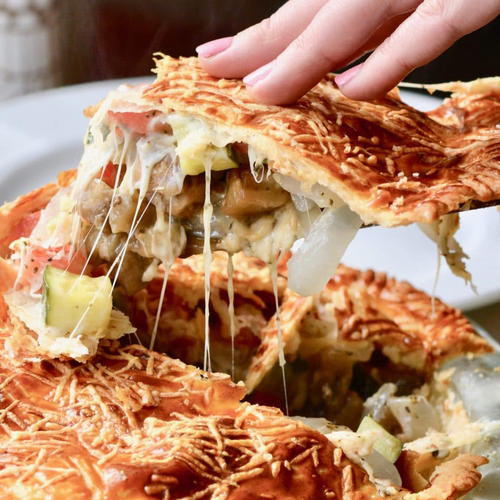 Vegetable Pie with Mediterranean flavor - amazing vegetarian dinner for meatless Monday! Delicious and easy, can even be made ahead of time!
