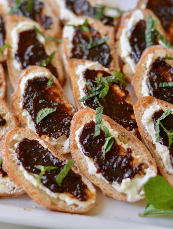 Goat Cheese and Fig Crostini with Honey and Mint. Perfectly fresh and delicious appetizer for any gathering. Kids loved it too!