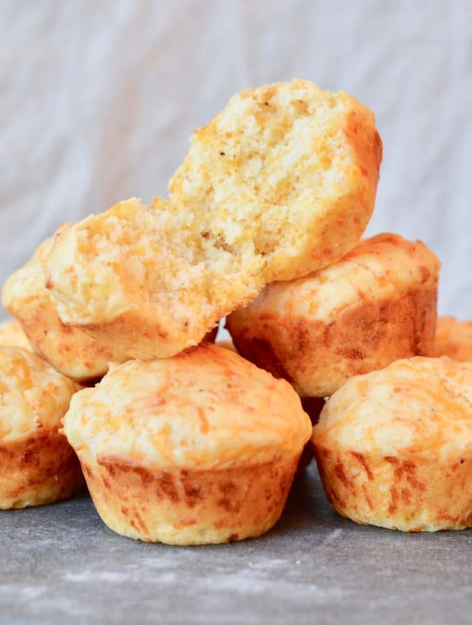 Cheddar Muffins - simple recipe perfect to go with soup this winter. Easy recipe with LOTS of cheddar!