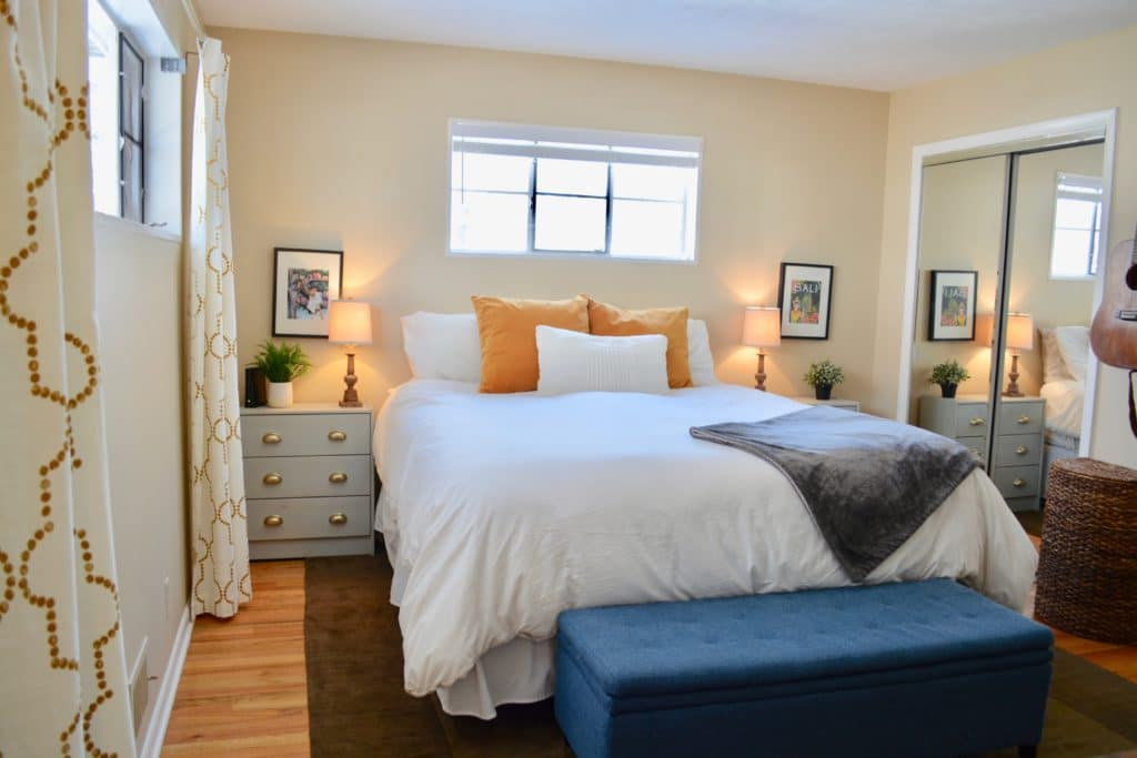 Master bedroom ready for Airbnb rental for families to go on a paid vacation.