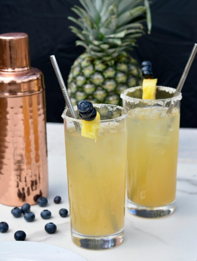 Pineapple Tom Collins | Incredibly sweet and simple recipe